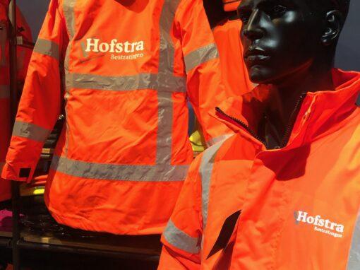 Signaal Bedrijfskleding // Hofstra Bestratingen // RWS kleding bedrukt met borst- en ruglogo