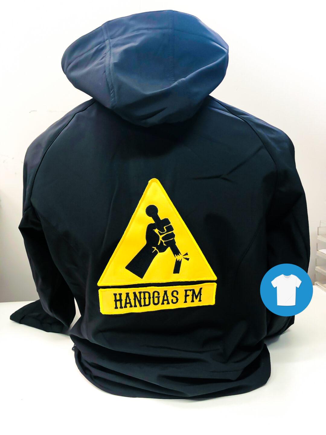 Signaal Bedrijfskleding // Handgas FM // Jassen voorzien van een geborduurd borst- en ruglogo