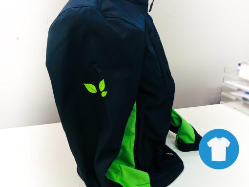 Signaal Bedrijfskleding // Kwaliteitstuin // Werkkleding voorzien van een borst-, rug- en mouwlogo